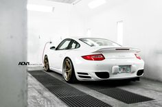 Covers a Porsche 911 Turbo With Some Bronze… 996 Porsche, Porsche Carrera Gt, Porsche 911 Turbo, Porsche Wheels, Porsche Cars, Fast Sports Cars, Car Camper, Twin Turbo, Hot Cars