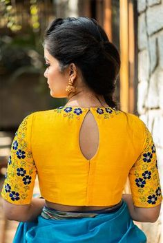 Buy Designer Blouses online, Custom Design Blouses, Ready Made Blouses, Saree Blouse patterns at our online shop House of Blouse from India. Blouse Designs High Neck, Netted Blouse Designs, Simple Blouse Designs, Stylish Blouse Design, Bridal Blouse Designs, Choli Designs, Salwar Designs, Kurta Neck Design, Designer Blouse Patterns