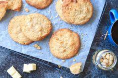 White chocolate chip cookies met macadamia's – SINNER SUNDAY