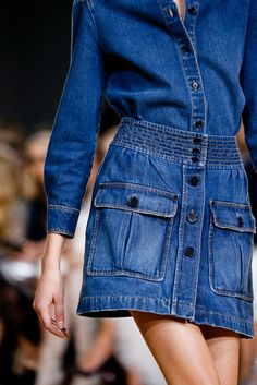 Catwalk photos and all the looks from Chloe Spring/Summer 2015 Ready-To-Wear Paris Fashion Week Fashion Week, Fashion Show, Fashion Design, Paris Fashion, Fashion Models, Denim Skirt, Denim Jeans, Denim Jumper, Jeans Dress