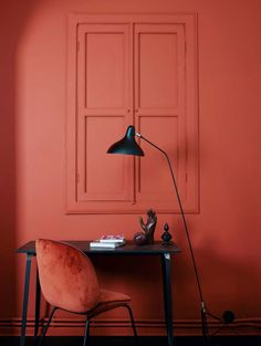 The terracotta color, a timeless trend for your home design. For some time now, beautiful terracotta interiors are under the spotlight and it isn't about to stop ! Why do we love so much terracotta ? Red Interiors, Colorful Interiors, Interiors Online, Beautiful Interiors, Colorful Decor, Color Inspiration, Interior Inspiration, Color Terracota, Beetle Chair
