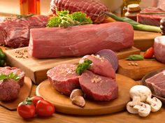 A carne chega ao ponto certo mais fácil se você deixá-la descansando uns cinco minutos do lado da churrasqueira. | 12 coisas que você precisa saber para ser um churrasqueiro de responsa