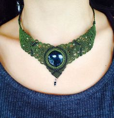 Macrame necklace\handmade\copper shield\agate stone\micromacrame