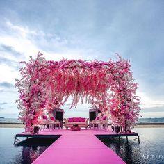 Gorgeous Wedding Mandap Designs To Inspire You! – The Urban Guide Wedding Mandap, Wedding Stage, India Wedding, Wedding Staircase, Wedding Ceremony, Wedding Backdrops, Wedding Shit, Wedding Receptions, Wedding Photoshoot