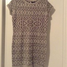 Light Gray Sweater Dress with Scarf Nwt Shortsleeved Tribal patterned gray sweater dress included with a dark gray infinite scarf Brand: Made for me to look Amazing Size: Large Made for Me to Look Amazing Dresses