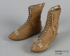Womens, laced high lows, silk / leather, thought to be wedding boots. Via Powerhouse Museum Australia. Shoe Boots, Ankle Boots, Women's Boots, Wedding Boots, 1800s Fashion, Old Shoes, Couture Outfits, Regency Era, Antique Clothing