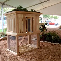 Another chicken coop idea. @Barbora Kasanicka .... you will be loving it when you get fresh eggs! :)