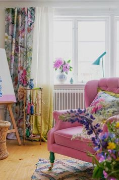 Room Colors, House Colors, Home Living Room, Living Room Designs, Bohemian Chic Home, Deco Studio, Colourful Living Room, Interior Exterior, Living Room Inspiration