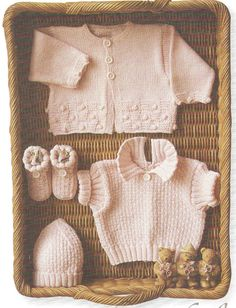 Knitting Patterns Vintage baby knitting pattern, self knitting, baby, hat, baby shoes Baby Pullover, Baby Cardigan, Baby Set, Baby Knitting Patterns, Free Knitting, Knitting Needles, Brei Baby, Crochet Baby, Knit Crochet