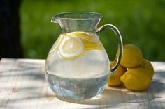 5 Reasons for Lemon Water.I love lemon water! I drink it everyday! Healthy Drinks, Get Healthy, Healthy Tips, Eating Healthy, Healthy Choices, Healthy Food, Health And Nutrition, Health And Wellness, Lemon Health Benefits
