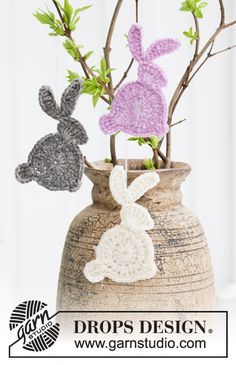 Free knitting patterns and crochet patterns by DROPS Design Crochet Easter, Easter Crochet Patterns, Crochet Bunny Pattern, Crochet Motifs, Crochet Diagram, Drops Design, Crochet Patterns Amigurumi, Crochet Toys, Knitting Patterns