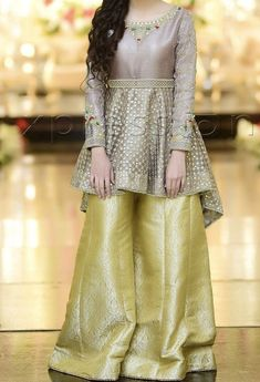 Fancy Dress Design, Girls Frock Design, Bridal Dress Design, Stylish Dress Designs, Designs For Dresses, Pakistani Fancy Dresses, Beautiful Pakistani Dresses, Pakistani Fashion Party Wear, Pakistani Dress Design
