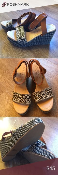 Coconuts Lucie Raffia ankle wedge, size 9, NWT! Coconuts Lucie Raffia ankle wedge, size 9, NWT! coconuts Shoes Wedges