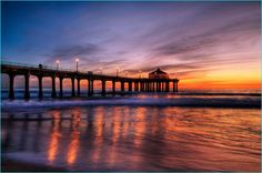 If you're on a visit to Los Angeles, don't miss the beautiful beaches located there. There are several such beaches in Los Angeles and you may really have a Beautiful Sunset Pictures, Beautiful Nature Wallpaper, Sunset Photos, Beach Photos, Beautiful Beaches, Amazing Photos, Sunset Images, Pretty Pictures, Amazing Places