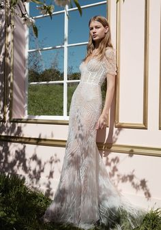 Dana Harel 2018 Collection: The Up-and-coming Bridal Designer - we LOVE this corset-style bodice and all the Deco beaded detail on this wedding dress! Check out the collection on Wedding Ideas today - you might find your dream dress! Pink Wedding Gowns, Couture Wedding Gowns, Bridal Dresses, Bridesmaid Dresses, Bridal Looks, Bridal Style, One Day Bridal, Wedding Designs, Wedding Ideas
