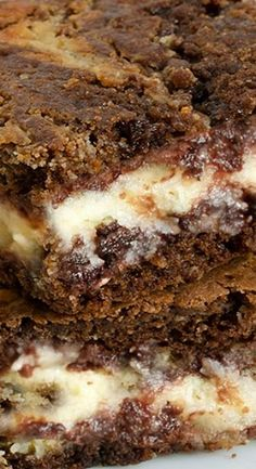 Perfect combination of cheese and chocolate! Cheesecake Brownies - real chocolate madness and ideal way to start your day! Best Brownies, Cheesecake Brownies, Fudge Brownies, Chocolate Cheesecake, Cream Cheese Brownies, Pumpkin Cheesecake, Healthy Dessert Recipes, Easy Desserts, Delicious Desserts