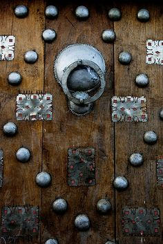 Africa | Traditional door. Timbuktu, Mali © David Clifford