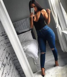 Bodysuit bae styles 'Millie Camisole V-Neck Bodysuit' Shop link in bio 👈 Fair Outfits, Jean Outfits, Classy Outfits, Dress Outfits, Summer Outfits, Casual Outfits, Cute Outfits, Fashion Killa, Girl Fashion