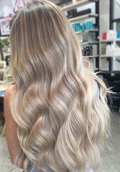 24 Senegalese Twist Styles to Try in 2019 - Style My Hairs Dyed Blonde Hair, Blonde Hair Looks, Blonde Hair With Highlights, Brown Blonde Hair, Blonde Balayage, Hair Dye, Blonde Honey, Honey Balayage, Medium Blonde