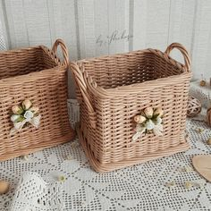 Large Storage Bins with Lids Newspaper Basket, Newspaper Crafts, Paper Weaving, Loom Weaving, Miniature Houses, Miniature Dolls, Baskets On Wall, Wicker Baskets, Storage Bins With Lids