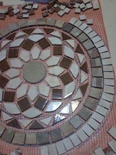 Mosaic Patio Table, Patio Tiles, Mosaic Designs, Mosaic Patterns, Mosaic Floors, Mosaic Birdbath, Mosaic Birds, Mosaic Diy, Outside Living