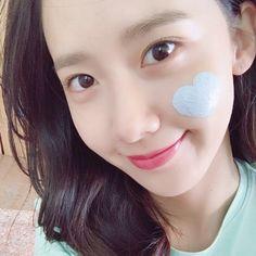 the sweet selfie of SNSD's YoonA