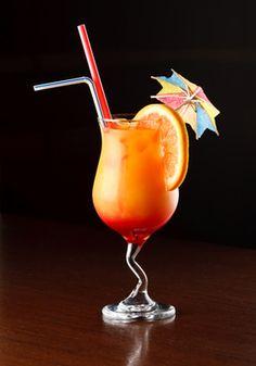 Cocktail Tequila Sunrise  La Tequila Sunrise est, avec la Margarita, un des cocktails les plus connus à base de Tequila. Très simple et rapide à préparer, cette recette classique est aussi délicieuse pour les papilles que pour les pupilles avec son dégradé de couleurs.  Ingrédients: 6 cl de Tequila 12 cl de Jus d'orange 2 cl de Sirop de grenadine