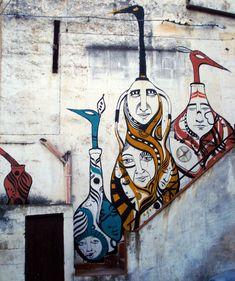 Murales sulla facciata di un laboratorio nel quartiere delle ceramiche di Grottaglie