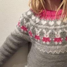 Frøken kanin Knit Cardigan Pattern, Baby Cardigan, Knitting For Kids, Baby Knitting, Minion Baby, Fair Isle Knitting Patterns, Kids And Parenting, Knitwear, Knit Crochet