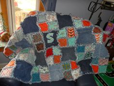 Life as Mrs A.: Happy Scrappy Family Tree Rag Quilt