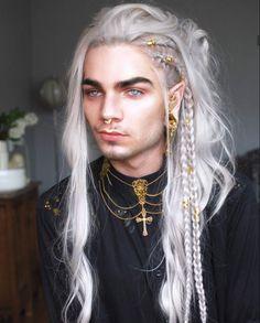 Nils Kuiper as King Cyran Ennala Boy With White Hair, Long White Hair, Nils Kuiper, Character Inspiration, Hair Inspiration, Hair Inspo, Pretty People, Beautiful People, Crazy Costumes