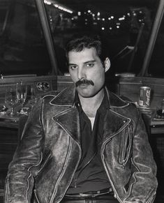 Freddie Mercury Death: 100 Rare Pics Of The Queen Frontman On The 25th Anniversary Of His Death | The Huffington Post