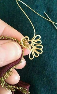 Crochet Patterns, Gold Necklace, Sewing, Jewelry, Crochet Edgings, Lace, Tricot, Needle Lace, Hand Embroidery