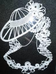 Mujer con sombrero Bobbin Lace Patterns, Crochet Patterns, String Art, Free Crochet, Dream Catcher, Paper Crafts, Google, Bobbin Lace, Tela