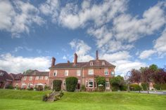 Enjoy our Range of Spa Days and Breaks at Mercure Shrewsbury Albrighton Hall Hotel and Spa in Shropshire. From SpaSeekers, your Spa Booking Specialists. Luxury Spa, Party Venues, Hotel Spa, Spa Day, Bridesmaid, Treats, Mansions, House Styles, Mercury