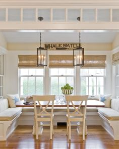 Mid tone floors, light blue ceiling, white windows with natural shades.  GREAT COMBO.