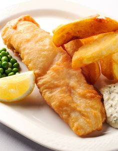 Fish and Chips Recipe With Tartare Sauce - Great British Chefs English Fish And Chips, British Fish And Chips, English Recipes, British Recipes, Hake Recipes, Fish Recipes, Seafood Recipes, Cooking Recipes, Desserts