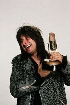 """Photo: Steve Perry poses for a photo at the 1985 """"Bammies"""", the Bay Area Music Awards, designed to recognize local performers and hosted annually since 1977 by BAM, a San Francisco music magazine. Perry won awards for Outstanding Album and Outstanding Male Vocalist. March 23, 1985 San Francisco, California, USA"""