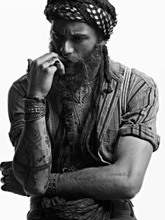 Move past the French neck scarf, pirate head wraps are on the rise. Move past the French neck scarf, pirate head wraps are on the rise. Move past the French neck scarf,… Hairy Men, Bearded Men, Gypsy Style, Hippie Style, Mode Masculine, Montres Hugo Boss, Hair And Beard Styles, Long Hair Styles, Look Festival