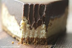 Chocolate Peanut Butter Cheesecake - Hugs and Cookies XOXO(Baking Treats Almond Butter) Just Desserts, No Bake Desserts, Delicious Desserts, Dessert Recipes, Yummy Food, Chocolate Peanut Butter Cheesecake, Peanut Butter Desserts, Chocolate Ganache, Chocolate Bars
