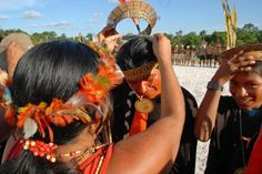 Notícias > Esporte e cultura reúnem povos indígenas na terra Poyanawa