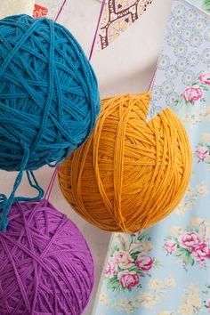 Ball of yarn and fabric bunting decor ideas