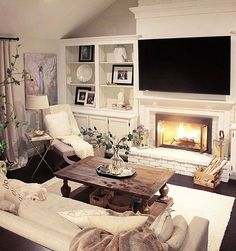 31 Ideas For Farmhouse Living Room Brown Couch Master Bedrooms Retro Living Rooms, New Living Room, Living Room Designs, Home Fireplace, Living Room With Fireplace, Fireplace Moulding, Brick Fireplace, Living Room Decor Brown Couch, Piece A Vivre