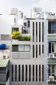 18 House / Khuon Studio + Phan Khac Tung, © Hiroyuki Oki