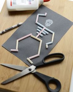 This fun craft will teach your child a little bit about the human skeletal system and can be adapted to teach the biology of many different living animals.