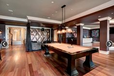 Generous sized, luxurious entertaining rooms for your gentleman cave