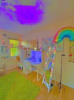 Indie Bedroom, Indie Room Decor, Cute Room Decor, Room Ideas Bedroom, Bedroom Decor, Bedroom Inspo, Bedroom Club, Bedroom Small, White Bedroom