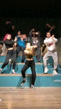 Hip Hop Dance Videos, Dance Workout Videos, Dance Moms Videos, Dance Music Videos, Dance Choreography Videos, Cool Dance Moves, Dance Tips, Dance Poses, Funny Dance Moves