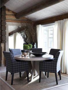 Stockholm Vitt - Interior Design: Ski Cabin a la Slettvoll Cabin Homes, Log Homes, Ski Lodge Decor, Interior Architecture, Interior Design, Room Interior, Modern Rustic Homes, Luxury Cabin, Modern House Plans