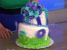 Surprise! Martha judges TODAY viewers' birthday cakes